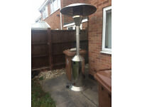 PATIO HEATER WITH FULL GAS BOTTLE AND REGULATOR BIG HEATER USED FEW TIMES