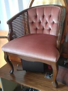 Oakville BEAUTIFUL QUALITY & CONDITION LIVING ROOM SIDE CHAIR Pink Velvet Wood & Cane Shabby Chic Curvy Legged Like New