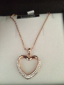 Ladies Rose Gold and Swarovski Heart Necklace