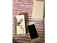 Iphone 6 64gb gold unlocked comes with box