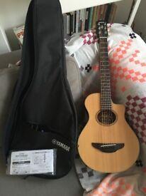 Yamaha APXT2 Travel Guitar Acoustic / Natural Finsh / Great Condition