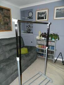 Adjustable Hanging Rail