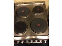 3month old electric oven undesit with hob, integrated grill
