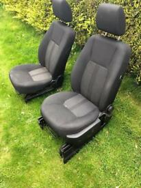 Land Rover discovery 4 commercial front seats