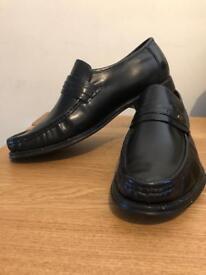 Leather mens loafer