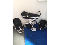 Complete Quinny Moodd Black and White Travel System with Maxi Cosi car seat