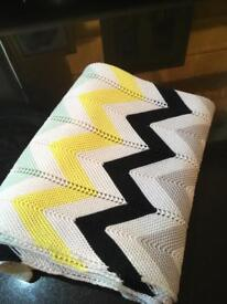 MOTHERCARE! Chevron knitted blanket RRP £20
