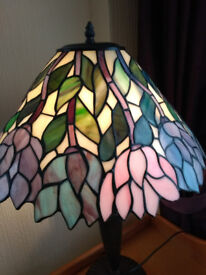 Tiffany table lamp with heavy leaded flower pattern shade