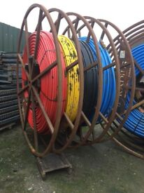 REELS WITH PIPING FOR WATER / ELECTRIC