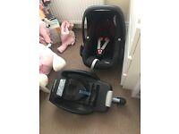 Maxi Cosi pebble car seat and easyfix base 2