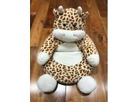 Giraffe kids seat (Excellent Condition)