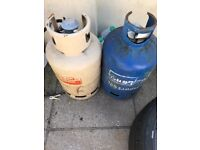 2 gas bottles almost full 15kg each