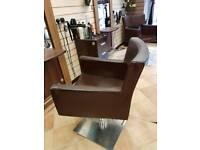 3x hydrsulic chairs