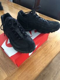 Men Nike Air Max 95 - size 10, very good condition