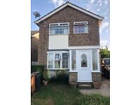 RENT A 3 BEDROOM DETACHED HOUSE FROM 6 SEPT