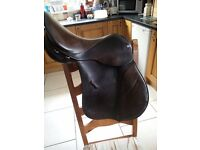 "Antill 17.5"" wide saddle"