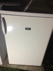 **ZANUSSI**UNDERCOUNTER FRIDGE**A RATED**VERY GOOD CONDITION**COLLECTION\DELIVERY**NO OFFERS**