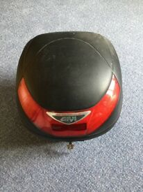 Givi Micro 2 single helmet box