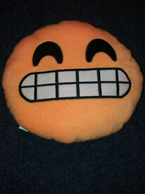 emoji cushion 8