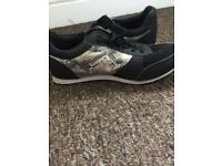 Size 6 firetrap trainers barely worn