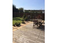 Double room available for a female in Poole. Very large kitchen and lovely garden