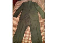 Mens grey suit in perfect condition £40