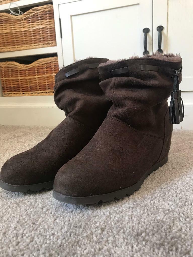 c5b34cb4f1e Mantaray from Debenhams Wedge Heel boots size 8 BRND NEW!