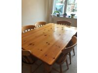 Dining Room Table and 6 Chair set in Pine