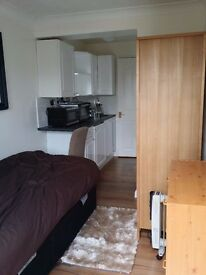 A Cosy, Nice and new flat close to university of Hertfordshare inclusive bills