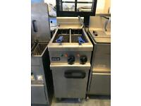 Lincat commercial electric fryer catering restaurant hotels pubs cafe equipments