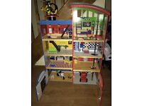 Kidcraft Hometown Heroes wooden playset with accessories in good condition with box