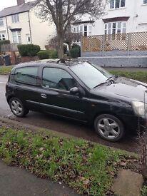 Clio 02 plate, petrol, 3 door hatchback FOR SALE