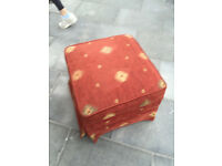Foot stool , in good condition , open for storage Feel free to view Free local delivery