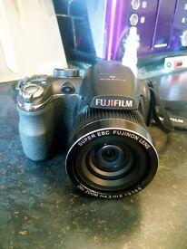 Fujifilm S3300 14mp Bridge camera