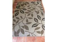 Rug 7ft x 5 ft