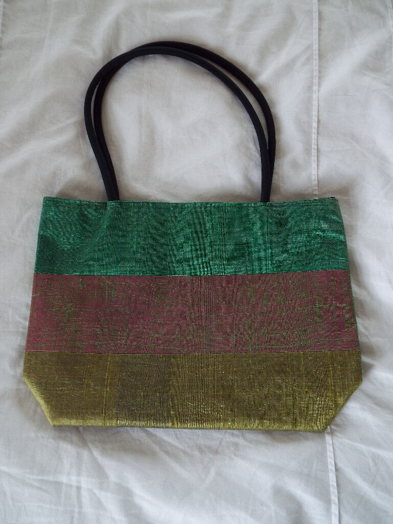 4f25984eacd4 Ladies Green 100% Silk Handbag