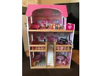 Wooden dolls house (solid)