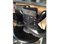 Trespass snow boots size 4