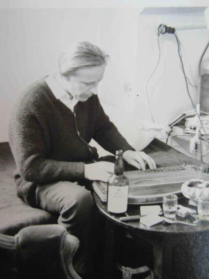 Ausstellung/Retrospektive PETER LOEW vom Westerberg ins Universum in Schliersee