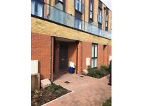 Stunning 2-bedroom flat located 5-min walk from Reading town centre