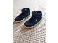 Boys size 8 pair of shoes