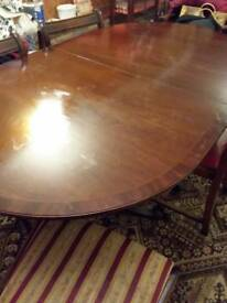 Extendable Dining table with 6 chairs- 2 carvers 4 chairs
