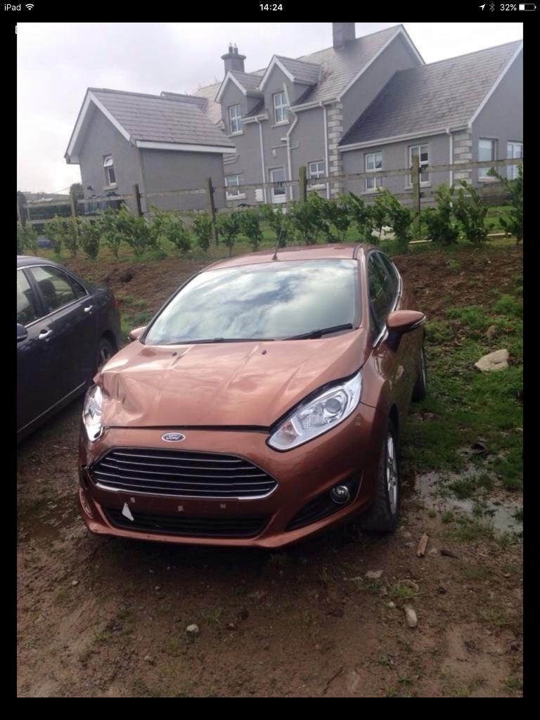 2014 Ford Fiesta parts breaking