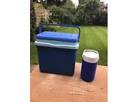 Solid cool box with serving tray lid and cooing flask