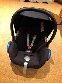 Maxi-Cosi Car Seat and ISO Fox Base