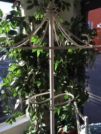 Metal decorative coat stand
