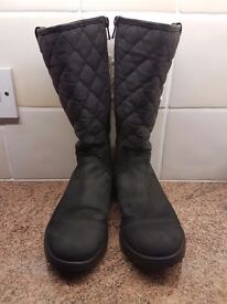 Girls Clarks, black leather and Gore-Tex coated fabric boots, size UK1 F