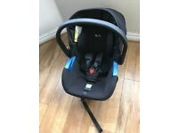 Silver cross baby car seat and isofix base 0-12 months approx