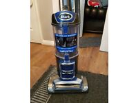 Shark liftaway vaccum cleaner