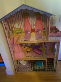Girls dolls house